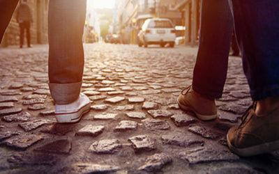 Camminare 10 minuti a passo svelto ogni giorno migliora la salute