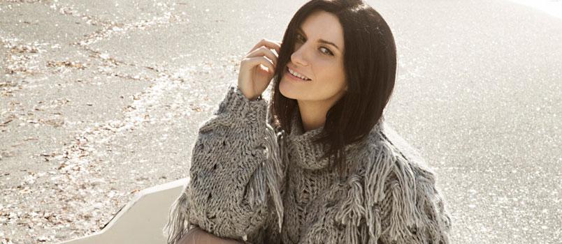 """Laura Pausini: """"Frasi a metà"""" è il nuovo singolo in radio da venerdì 6 aprile"""