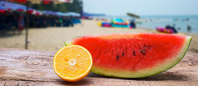 Estate 2018. Vita da spiaggia: cosa mangiare e bere per resistere al caldo?