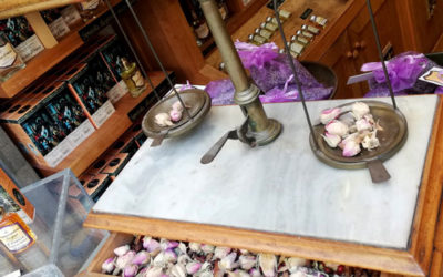 Come nasce un profumo? Visita ai laboratori di Spezierie Palazzo Vecchio di Firenze