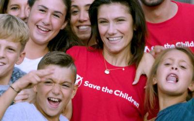 Elisa Ambasciatrice di Save the Children per difendere il futuro dei bambini nel mondo