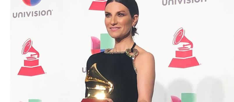 "Laura Pausini trionfa ai Latin Grammy Award 2018 ""Best Traditional Pop Vocal Album"""