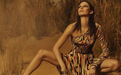 Kendall Jenner posa in campagna Cavalli