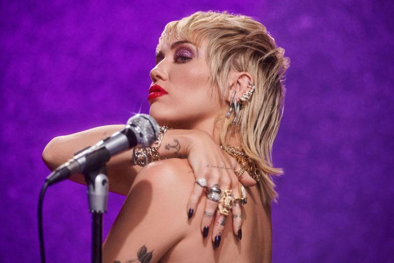 """Miley Cyrus torna con un nuovo album """"Plastic Hearts"""""""