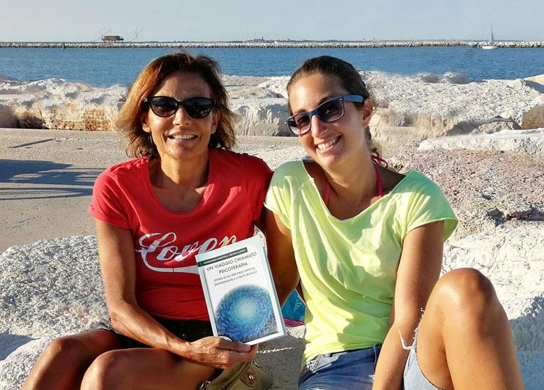 """Alessandra Parentela e Michela Longo: il nuovo libro """"Un viaggio chiamato psicoterapia"""""""
