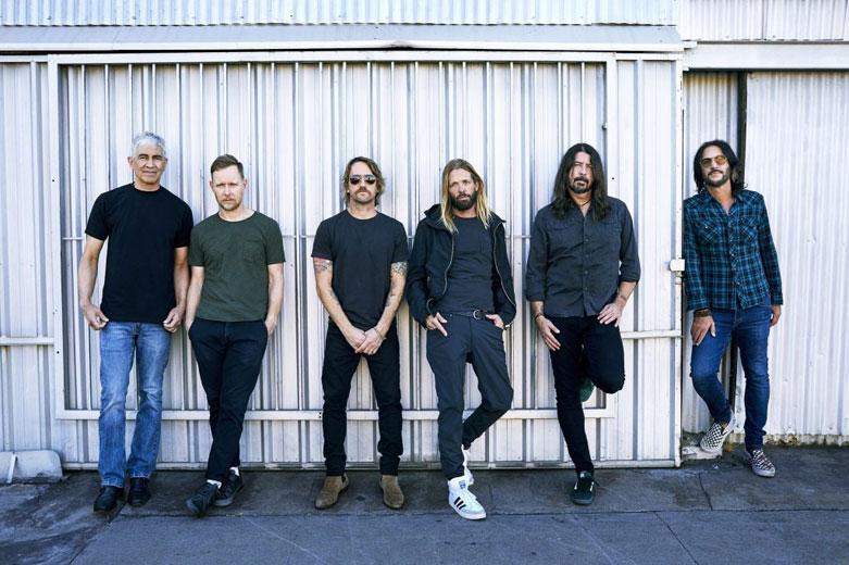 """Foo Fighters: è uscito il nuovo atteso album """"Medicine At Midnight"""""""