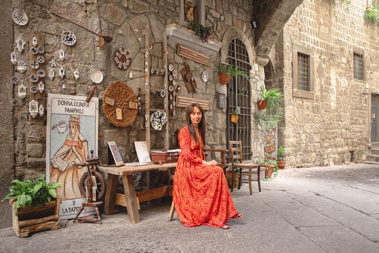 Sulle orme delle grandi Donne: in Tuscia lo slow tourism esperienziale è donna